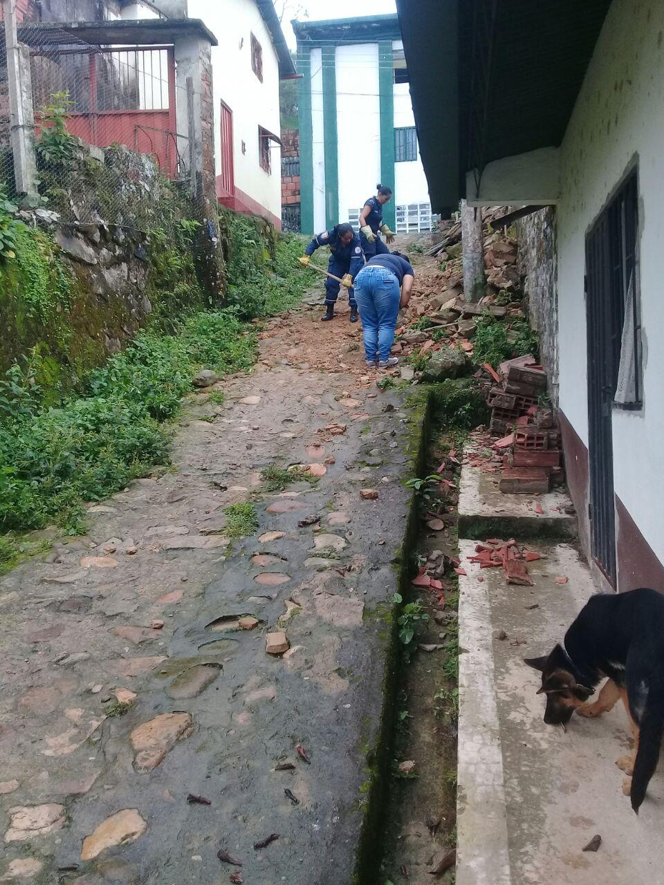 Por lluvias se derrumba muro en vivienda de Támara, dos mujeres damnificadas