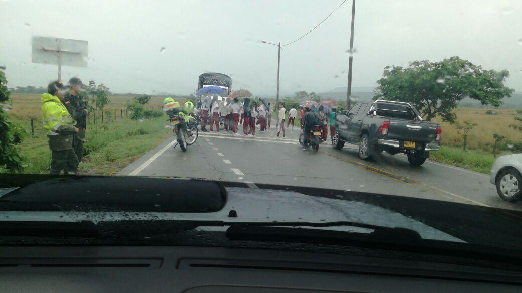 Hato corozal amaneció  con dos protestas de estudiantes, que bloquean vía a Paz de Ariporo