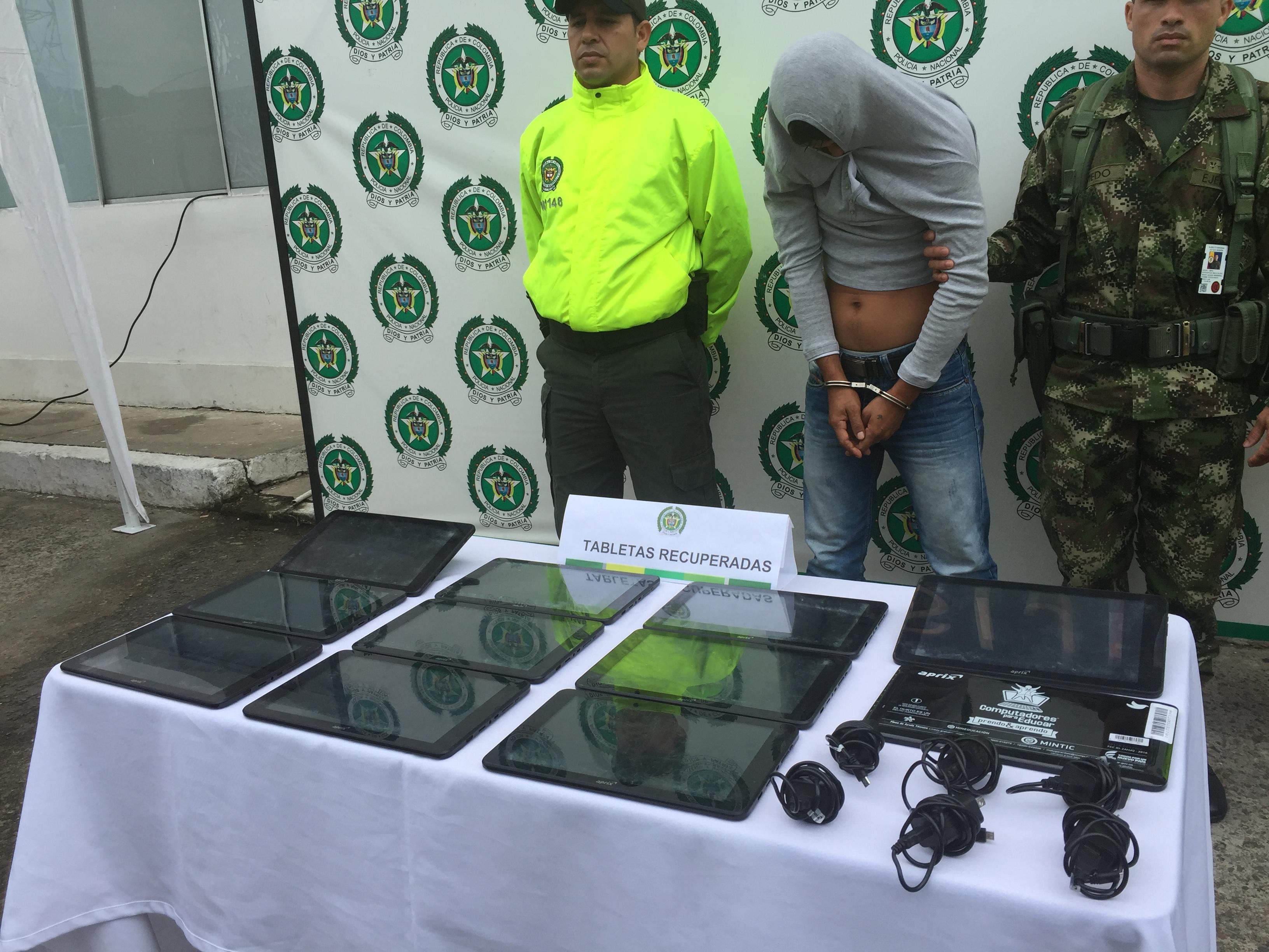 Policía recupera tables hurtadas a colegio de vereda  Mariara de Orocué