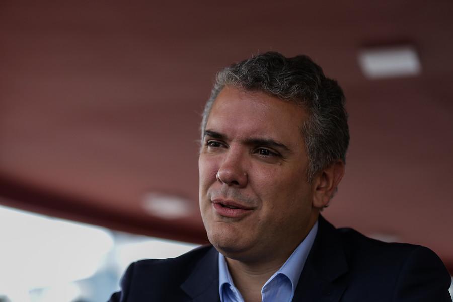 Duque niega apoyo de J.J. Rendón