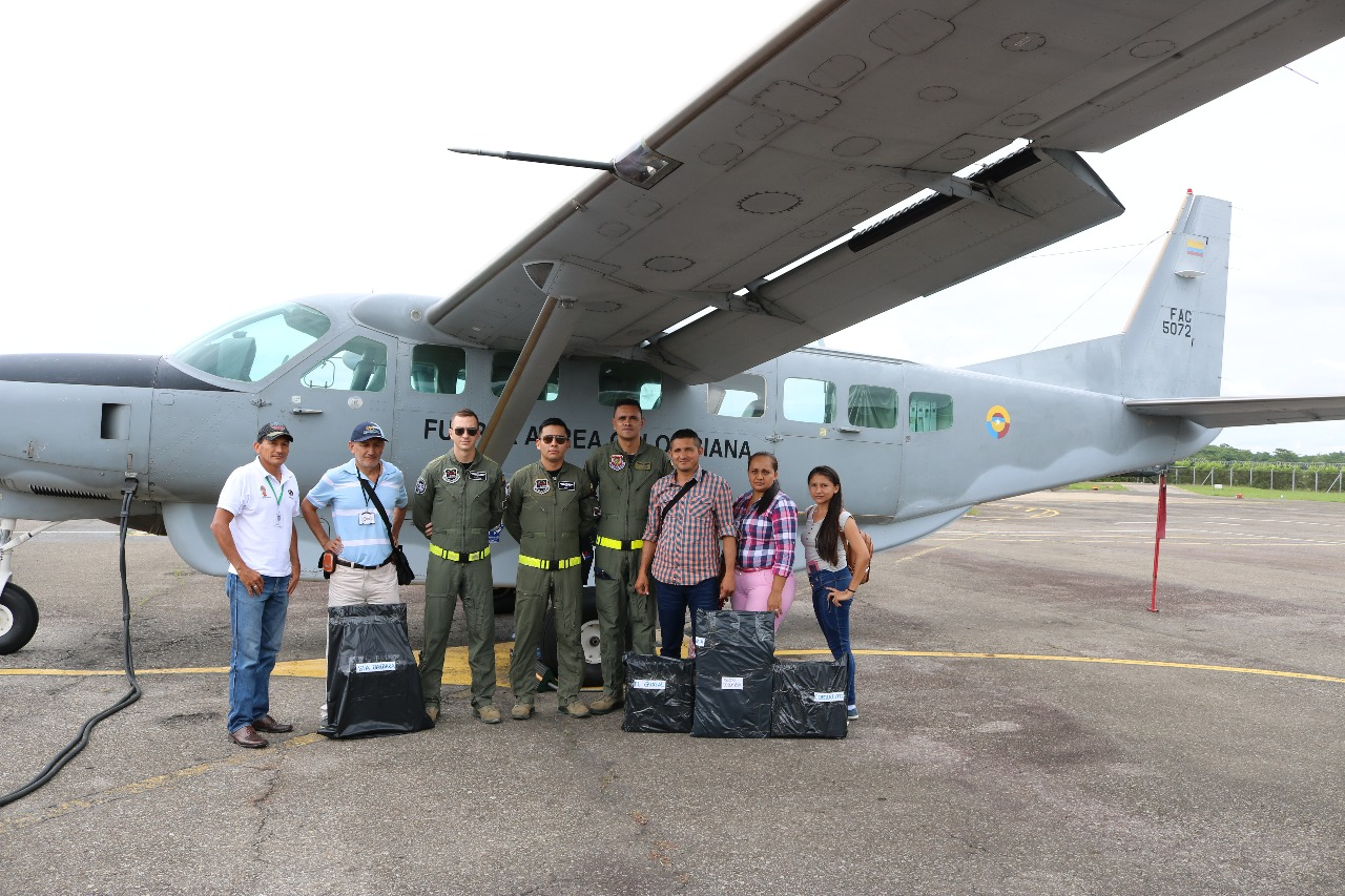 Fuerza Aérea  apoya traslado de material electoral en Casanare