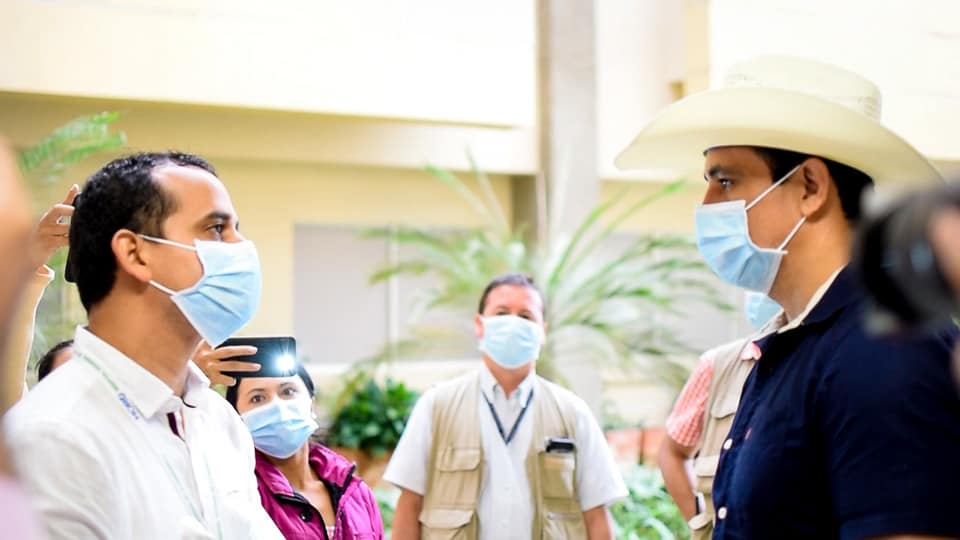 El Gobernador  Josué Alirio Barrera da ejemplo en la lucha contra el dengue y las infecciones respiratorias agudas