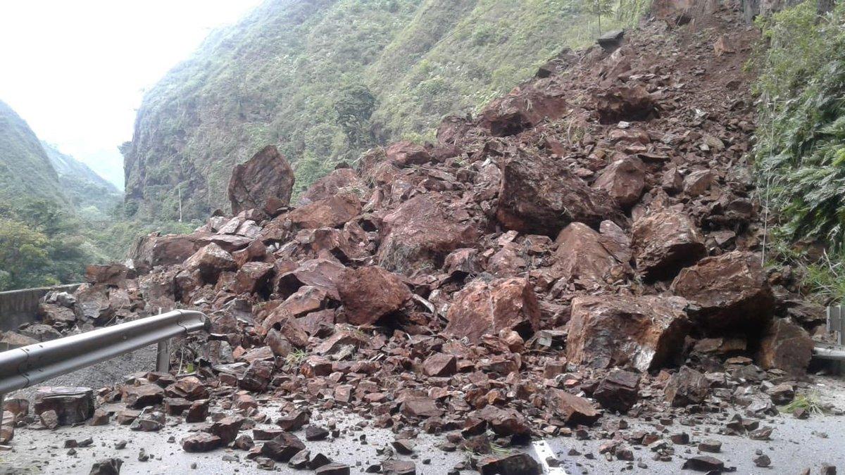 4 muertos deja derrumbe en vía Bogotá Villavicencio