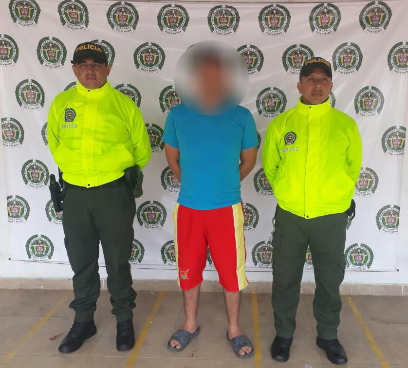 Capturan conductor de buseta escolar por presuntos actos sexuales con menor de 14 años