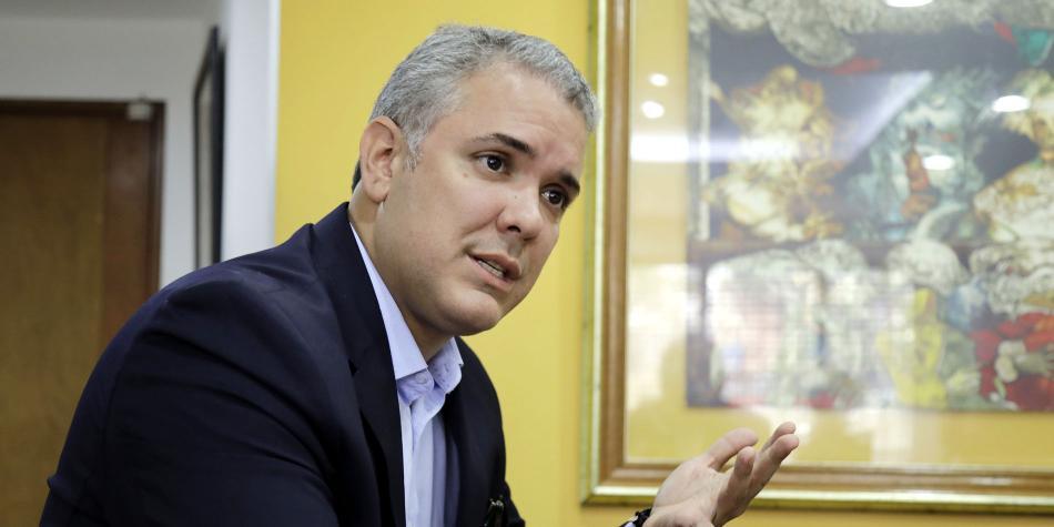 """ACADÉMICOS POR COLOMBIA : """"con  Iván Duque profundizará la violencia en Colombia"""""""