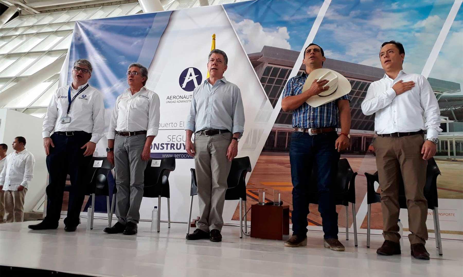 Santos inauguró en Yopal obras del  aeropuerto local