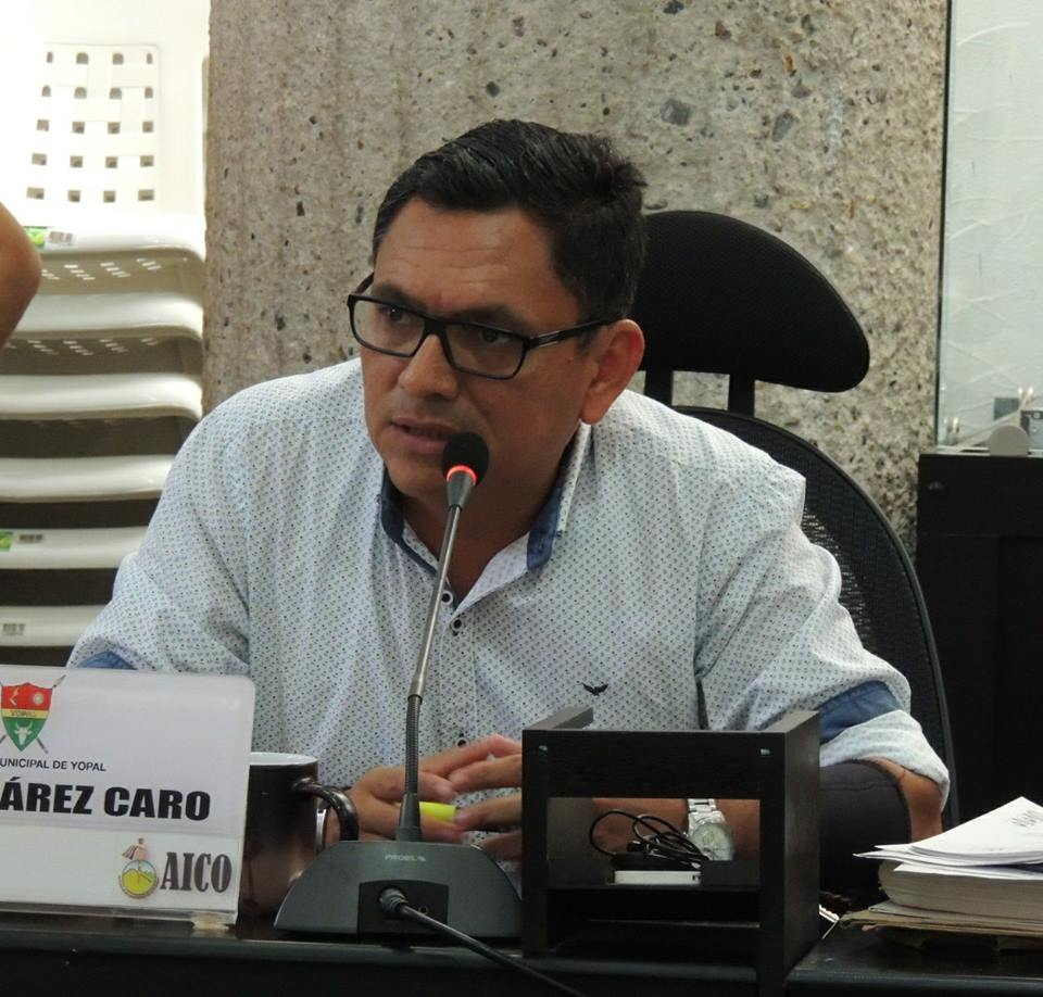 Concejal Fabio Suarez: ¿ Se va a hacer reestructuración de planta de personal de EAAY ?