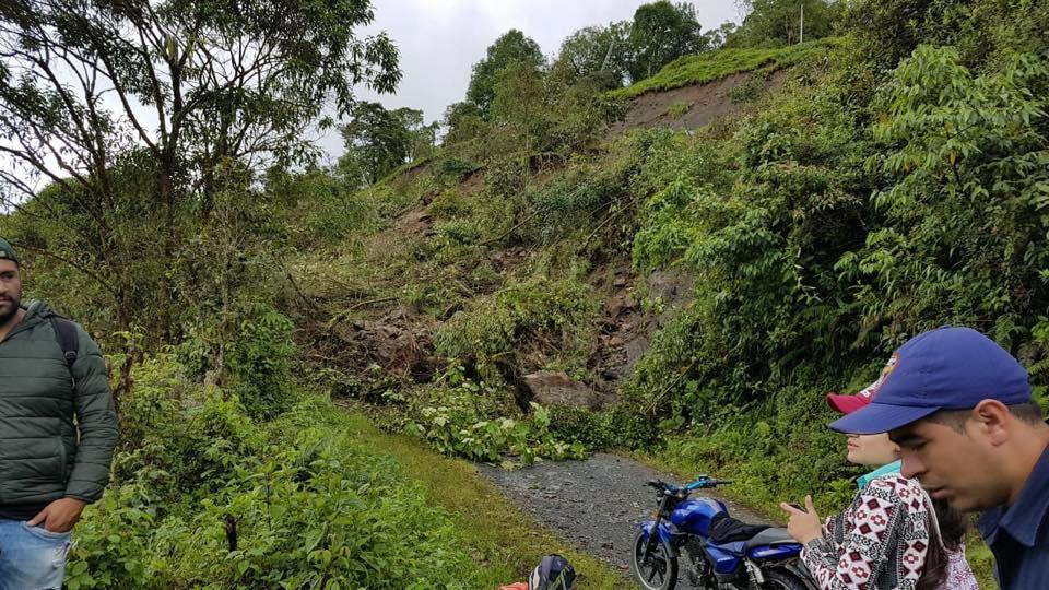 Persiste incomunicación terrestre del municipio de la Salina