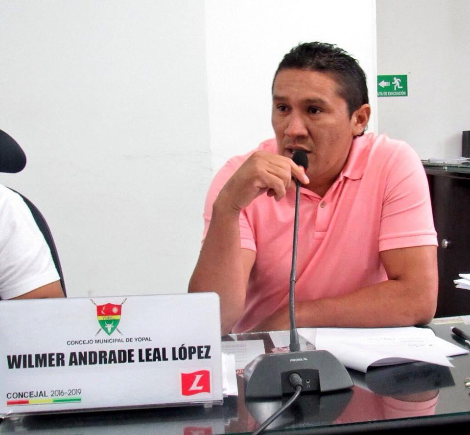 Buscan tres jóvenes indiciados de lanzar explosivo frente a vivienda de concejal de Yopal Wilmer Andrade Lea