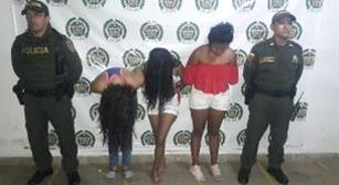 capturadas tres mujeres que con arma blanca  hurtaron celular