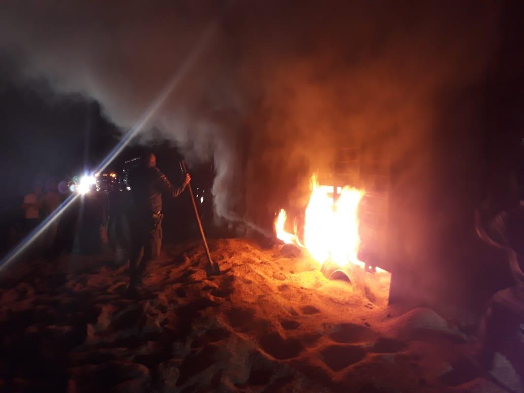 Controlan incendio de camión cargado con arroz en  San Luis de Palenque