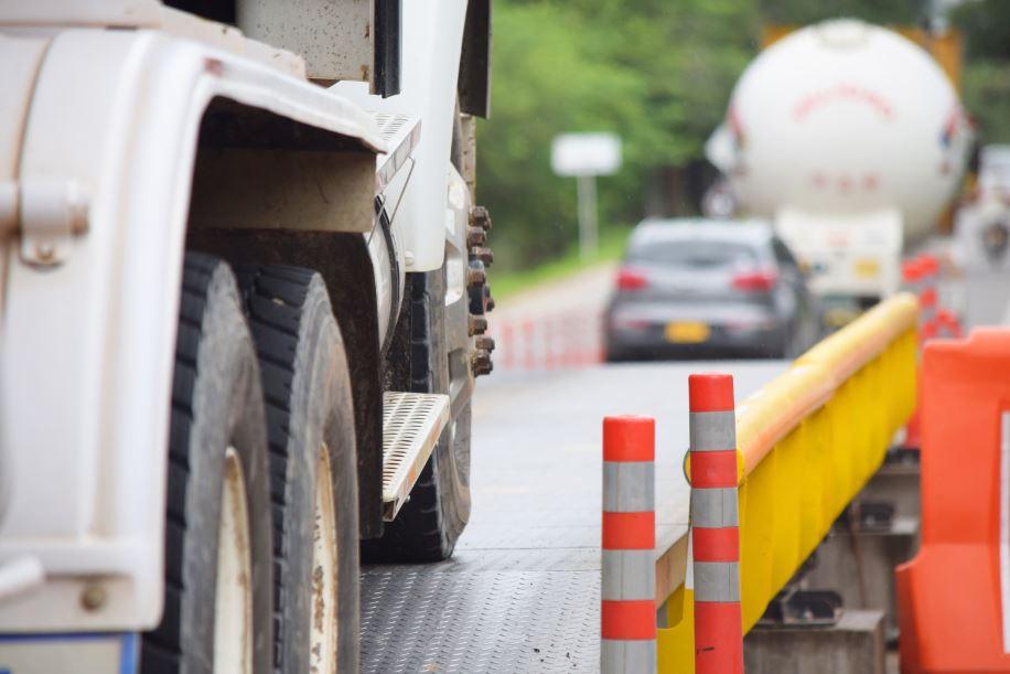 Hoy se inicia el pesaje de vehículos de carga que transiten vacíos, en básculas alternas por ejes en vía Villavicencio Yopal