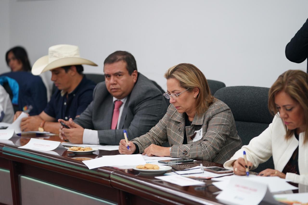 En cumbre extraordinaria de gobernadores en la Casa de Nariño Josué Alirio Barrera gestiona recursos para Universidad pública