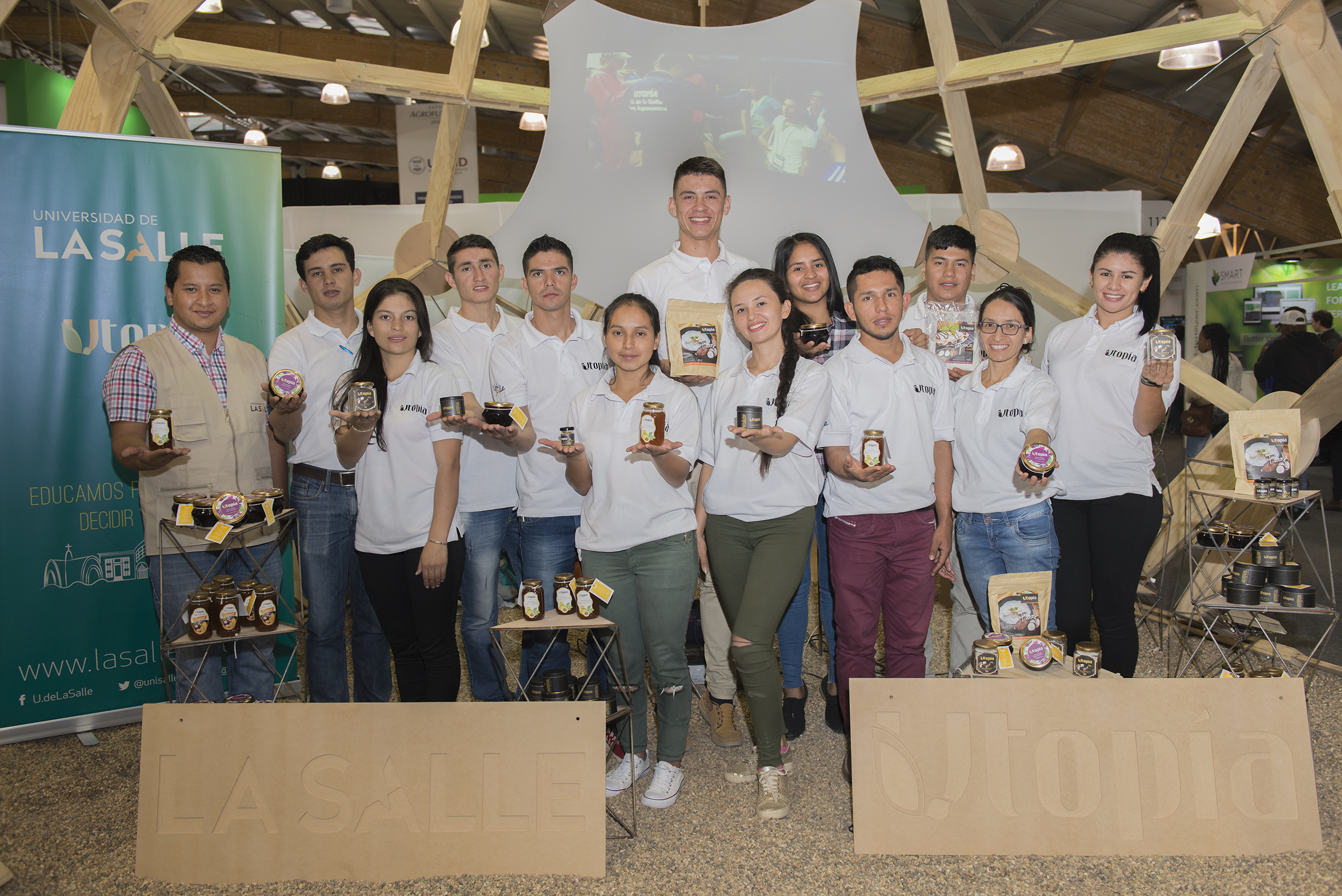 Vino de banano gran novedad de feria agroindustrial en Utopia en Yopal