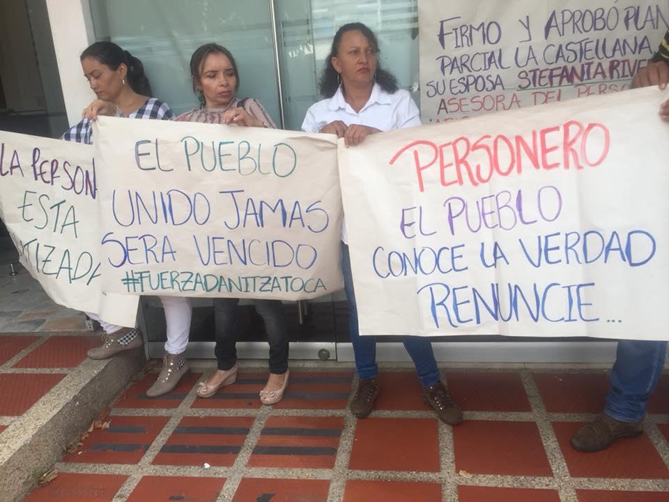 Suspensión de Jefe de planeación de Yopal Danitza Toca provoca protestas en personería de Yopal