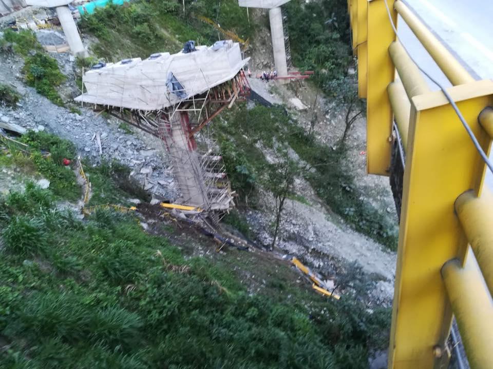 5 muertos en accidente  en obra de nuevo puente  en la doble calzada Chirajara –Fundadores en vía Bogotá Villavicencio