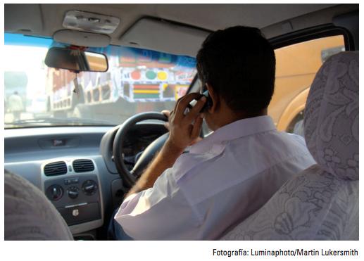 """El celular… un """"copiloto"""" indeseable para los conductores"""