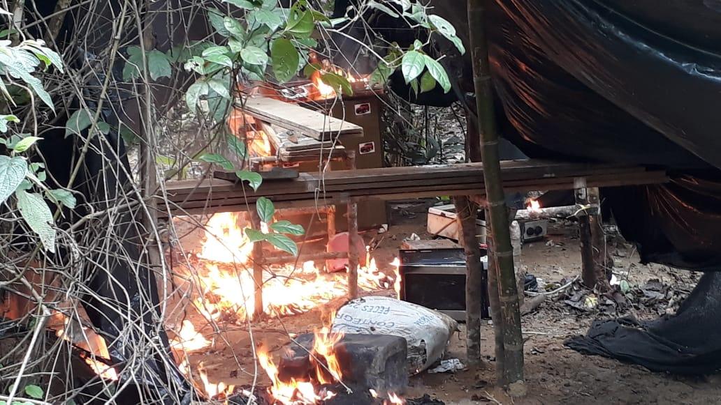 Destruyen  laboratorio para  procesamiento de  alcaloides en zona rural de Monterrey