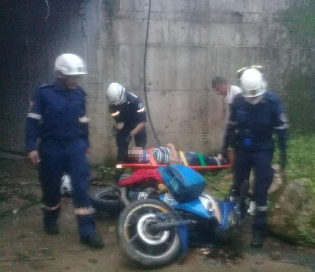 Cae motociclista a abismo de 6 metros en  via Aguazul Sogamoso