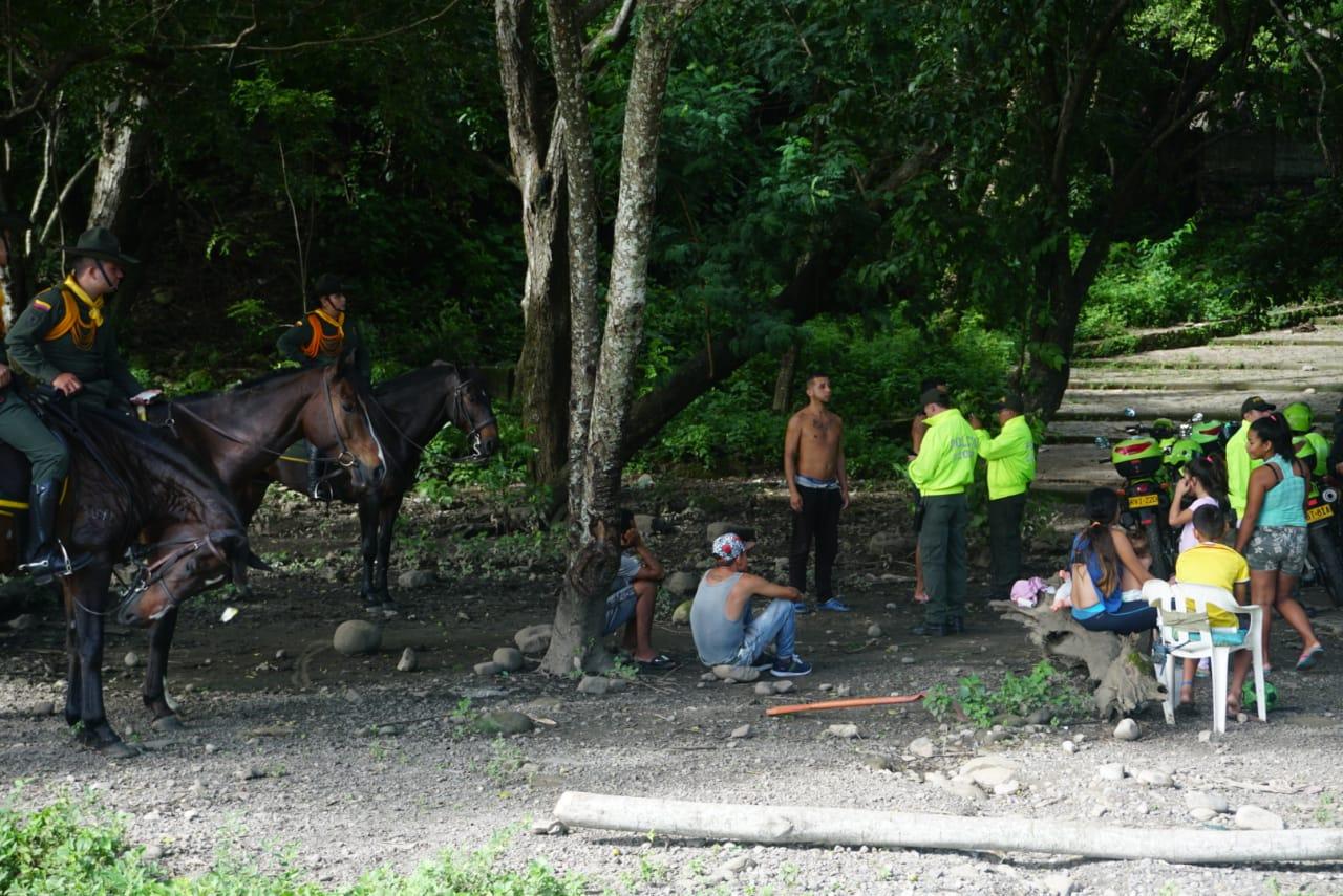 En desalojo en parque La Iguana de Yopal  incautan alucinógenos y armas blancas