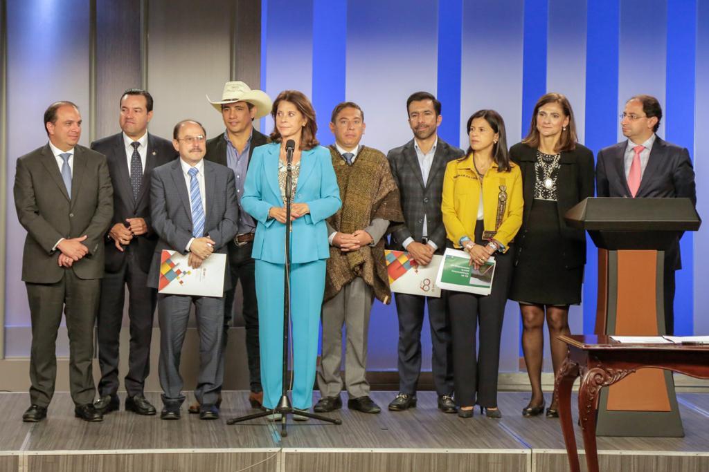 Anuncia  gran inversión en infraestructura vial para Casanare en  Pacto del Bicentenario