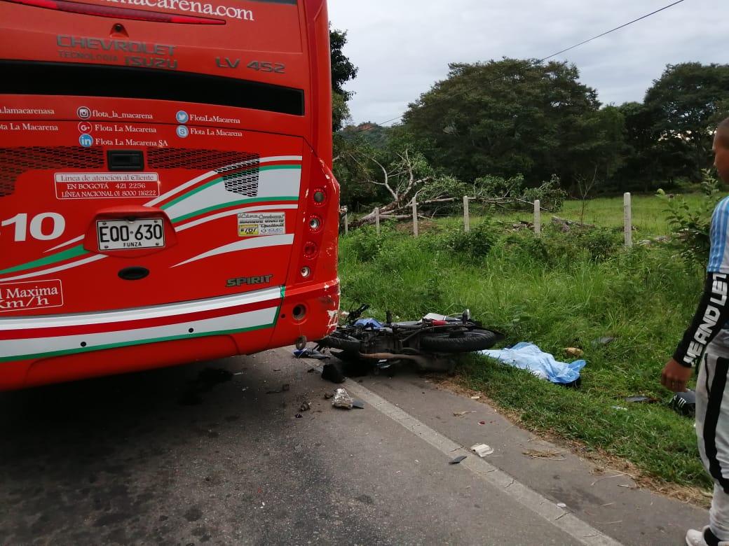 Muere motociclista en el sector de Rio Chiquito en via Marginal del Llano
