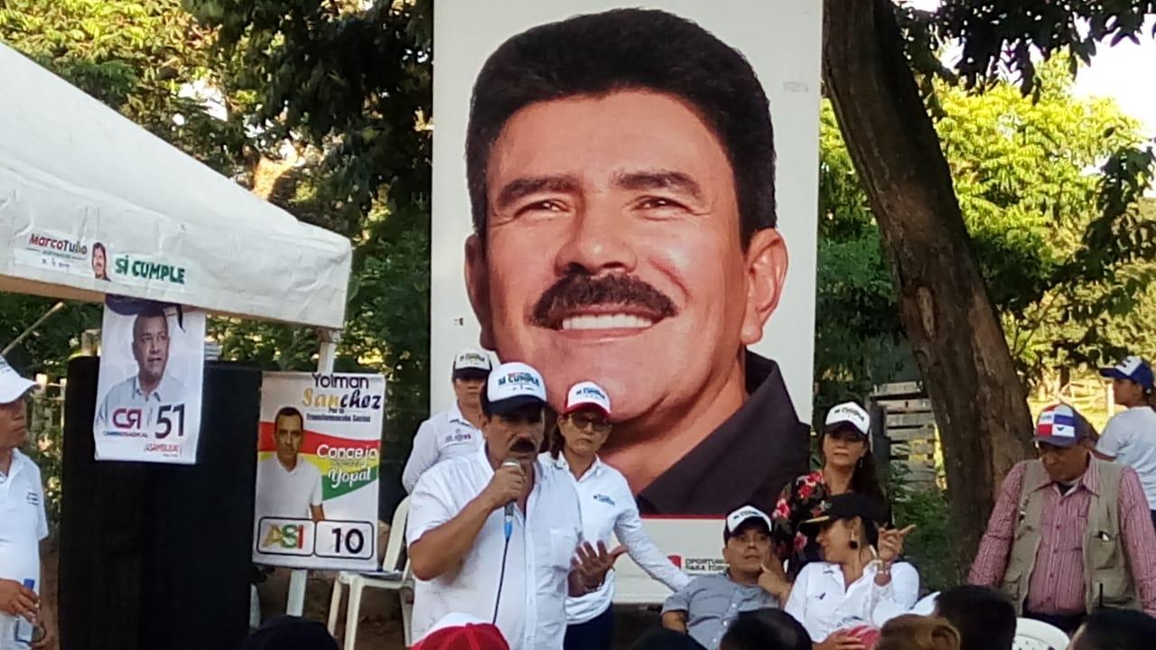 Marco Tulio Ruiz selló compromiso con el sector rural