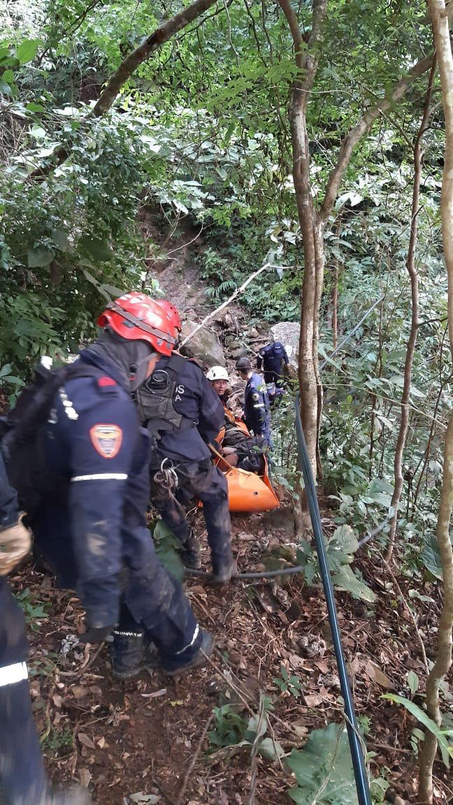 Bomberos Yopal rescatan joven desaparecido en cerro El Venado